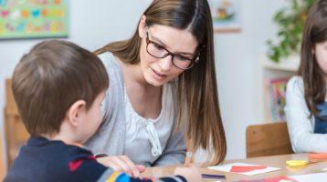 Devenir AESH : Accompagner le handicap en milieu scolaire
